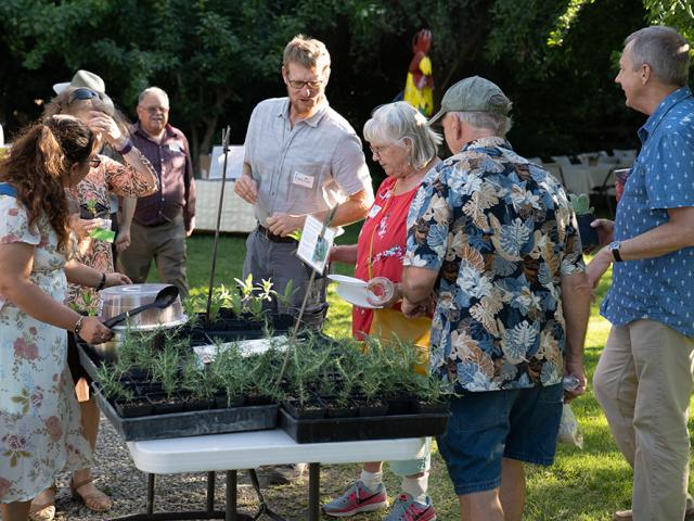 Event sponsored by the Friends of the UC Davis Arboretum and Public Garden