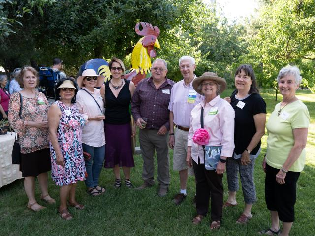 Group shot of the Friends of the Arboretum and Public Garden